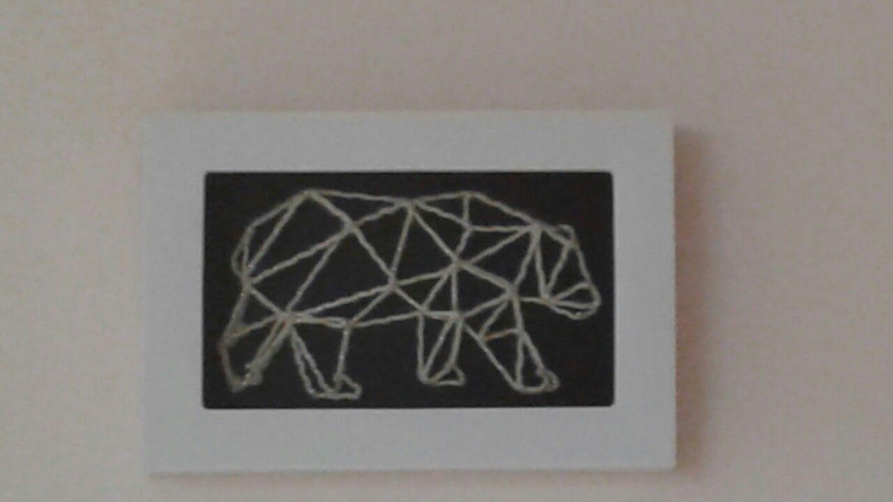 Tableau Fils Et Clous ours en fil tendu par des clous. tableau 3d | ours