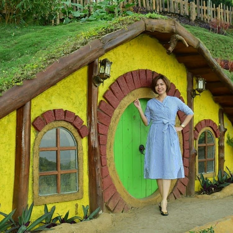 Rumah Hobbit Coban Rais Wisata Ala Suasana Desa Hobbit Hobbit Coban The Lord