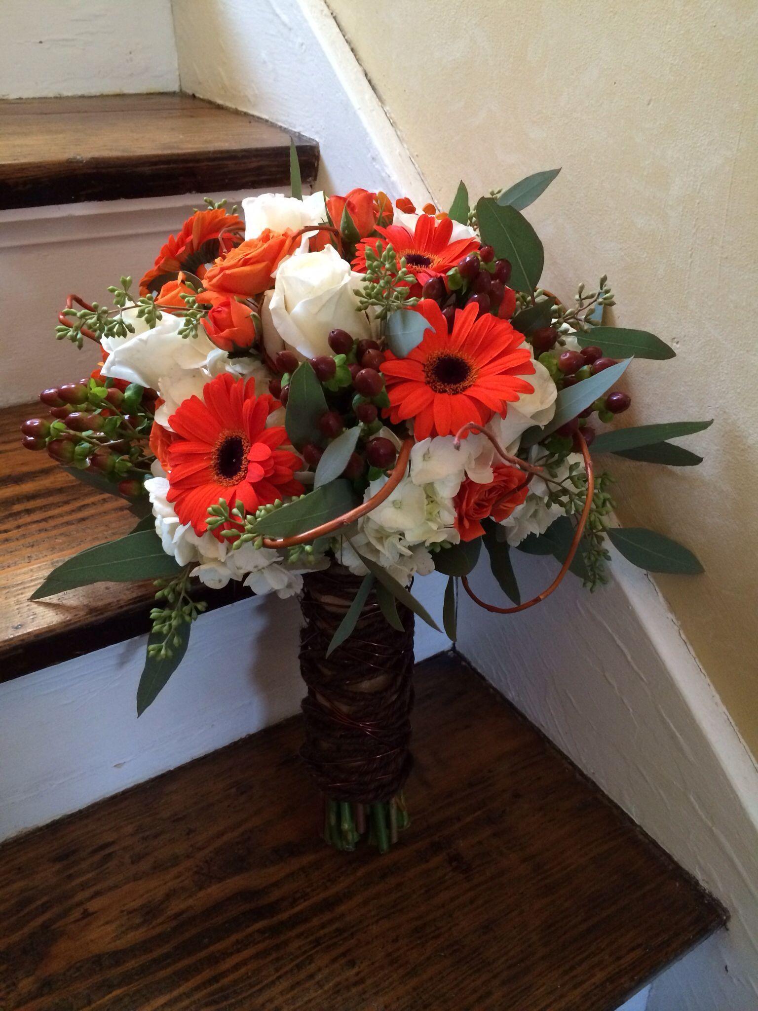 Orange and white bouquet weddingflowersdiyheadtables orange and white bouquet weddingflowersdiyheadtables weddingflowersautumn daisy wedding flowers country wedding flowers izmirmasajfo