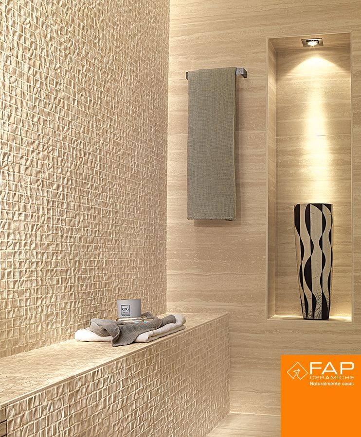 #Roma Travertino. In the shower, the Natura mosaic and the versatile material express attractive architectural solutions.