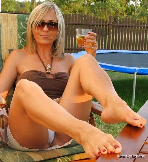 Vrele matorke | hot milfs/cougars | Hot moms club, Sexy, Sexy older