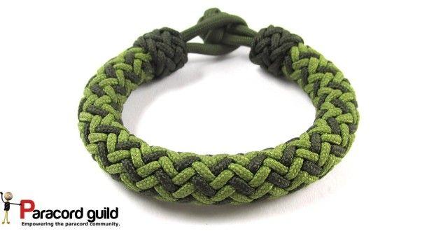 2 color hansen knot paracord bracelet.