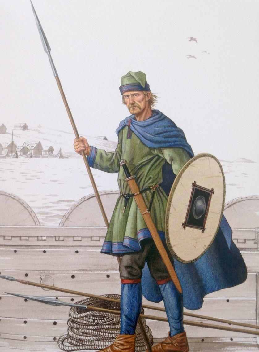 """Kriger fra Isle of Man. Alle metaldelene er fra een grav. Jep, tre spyd. Udpræget vesteuropæisk mode fra sidste halvdel af 900tallet.  Efter """"Vikinger i krig""""."""