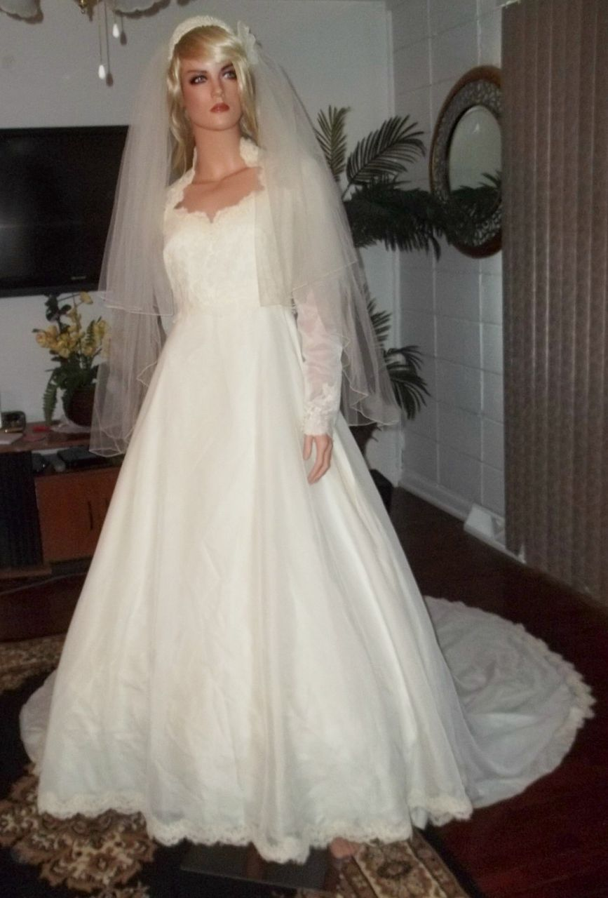 Vintage Wedding Dress 1960,S Dress Gown With Veil from