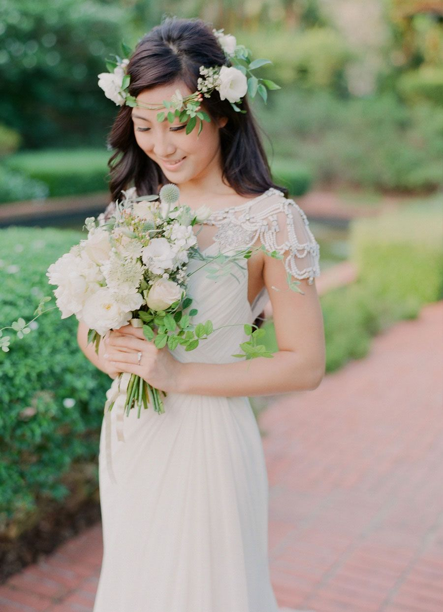 Queen bride a bridal boudoir shoot at st regis singapore flowers rustic floral crown coronet and bouquet queen bride a bridal boudoir shoot at st regis singapore izmirmasajfo