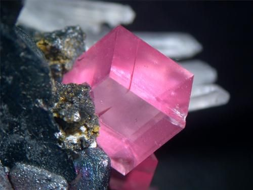 Rhodochrosite,Sweet Home Mine, Colorado, United States of America / Mineral Friends <3