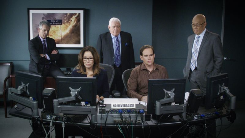 Major Crimes Season 5 Episode 1 Photos Present Tense Seat42f Major Crimes Crime Character Development
