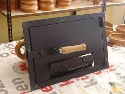 Resultado de imagen para puertas de chapa o hierro fundido para hornos de barro