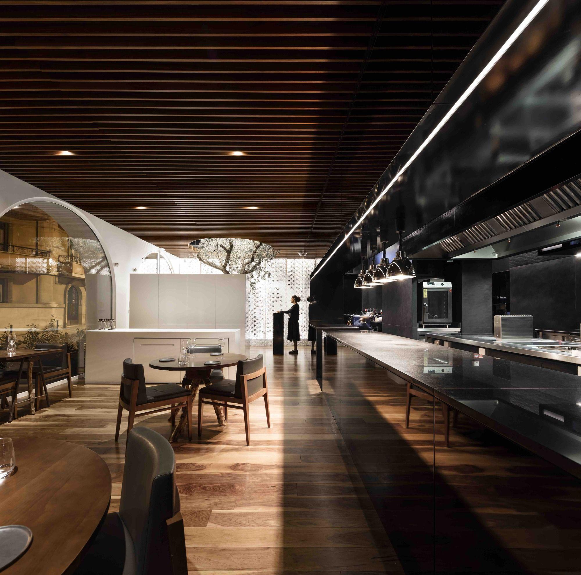 Фото потолков для кафе и ресторанов