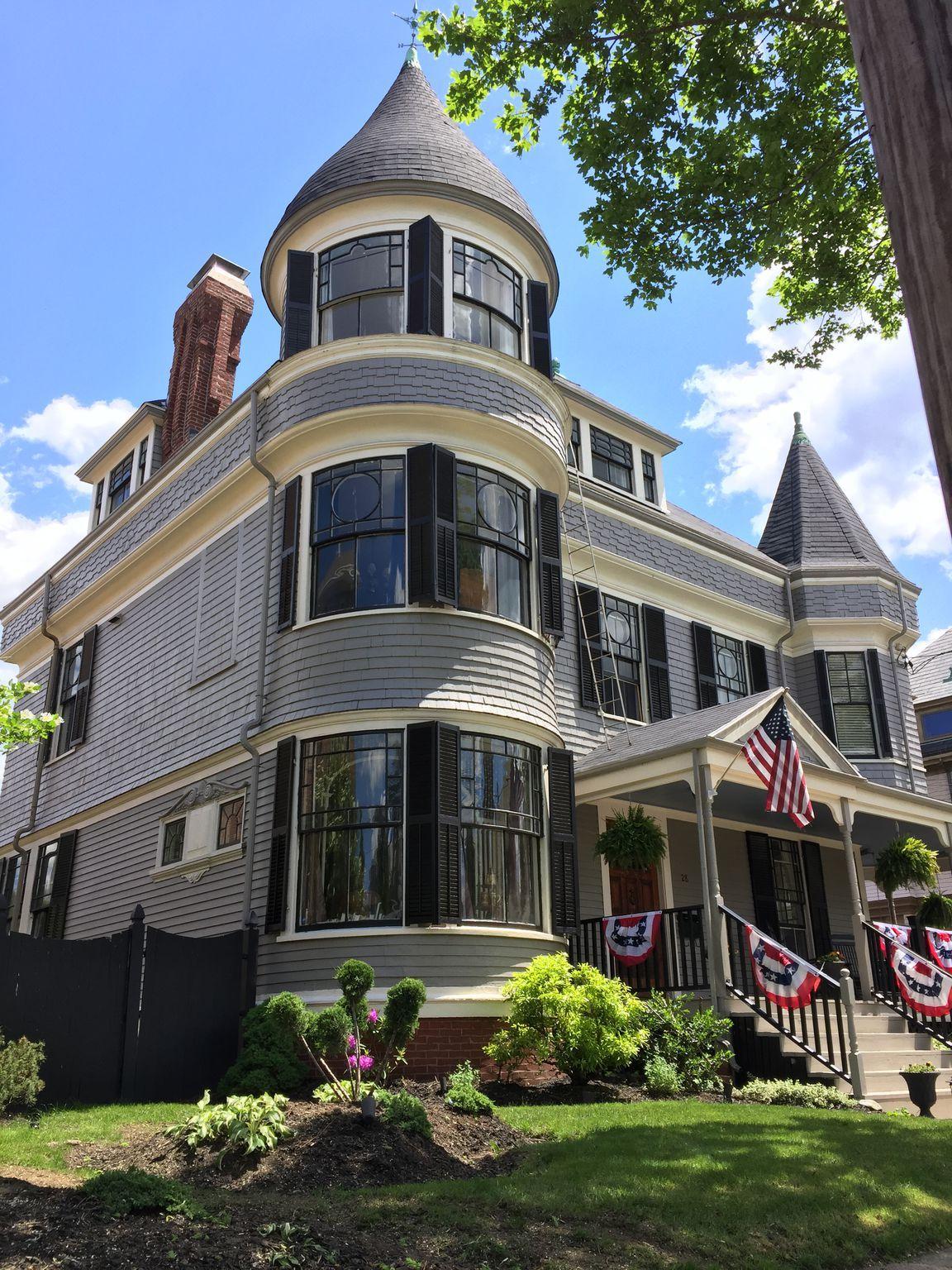 28 Atlantic St Victorian Architecture Architecture Victorian Style Homes
