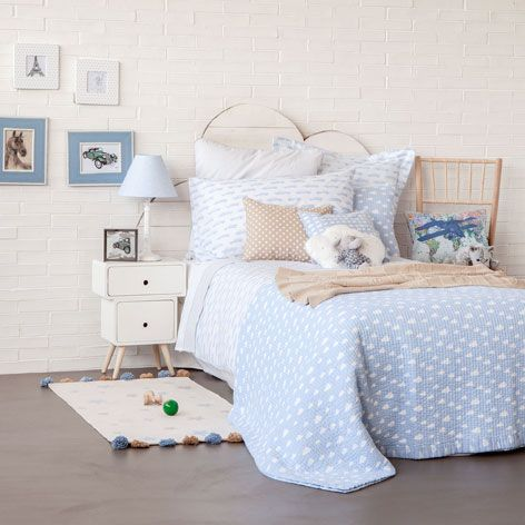 cloud print decorative quilt and cushion cover quilts. Black Bedroom Furniture Sets. Home Design Ideas