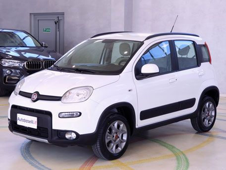 FIAT PANDA 0.9 TWIN AIR TREKKING 4X4 Pelle + Climatizzatore + Radio cd + Cerchi in lega + Servosterzo + City + Airbag + Fendinebbia + Garanzia Fiat + Unico proprietario + del 2015