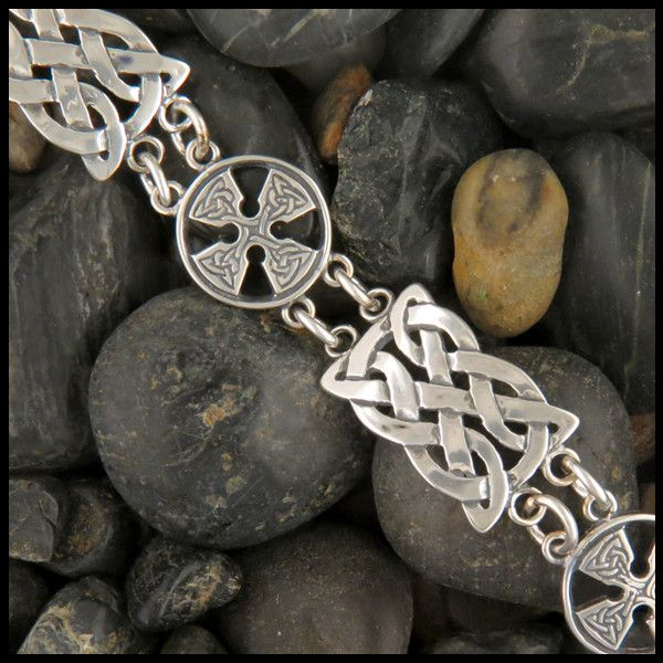 Celtic Bracelet With Alternating Links