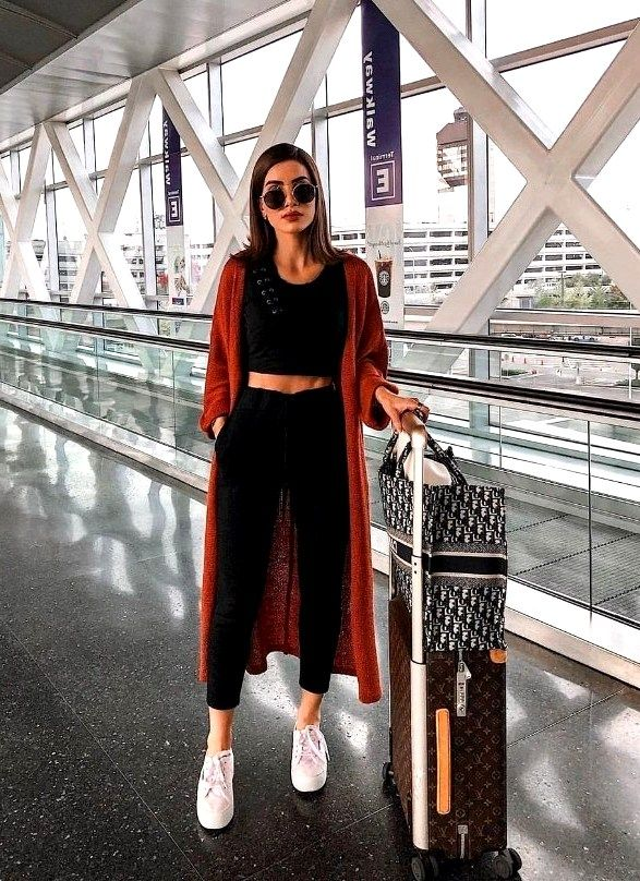25 Perfect Women Travel Outfits That Will Keep You Comfy – closet ideas