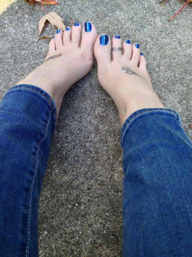 Sexy feet blue toenails