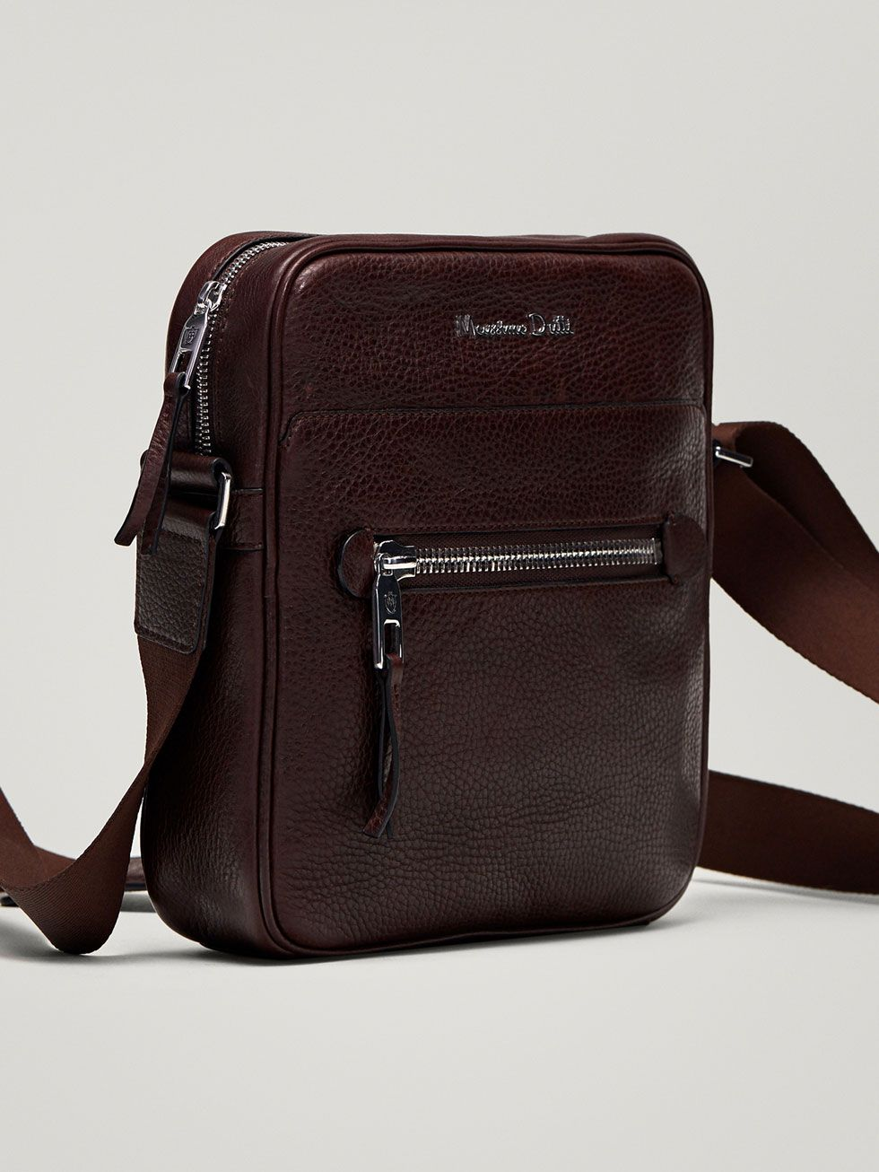 Fall Winter 2017 Men´s EMBOSSED MONTANA LEATHER CROSSBODY BAG at Massimo  Dutti for 129. Effortless elegance! fa2b18f8eaafc