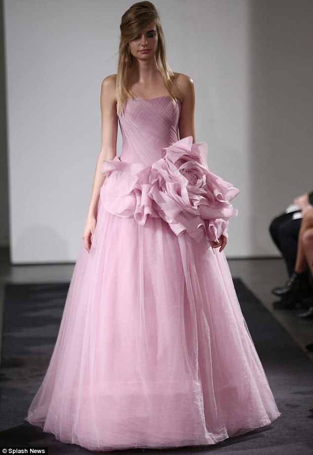 Vera Wang snubs white for all-pink fall 2014 bridal collection