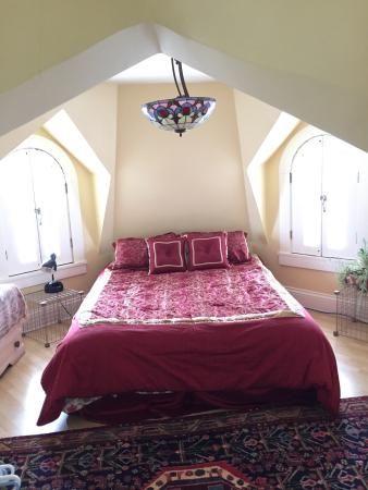 turret bedroom | Prince Albert Photos - Featured Images of Prince Albert, Saskatchewan ...