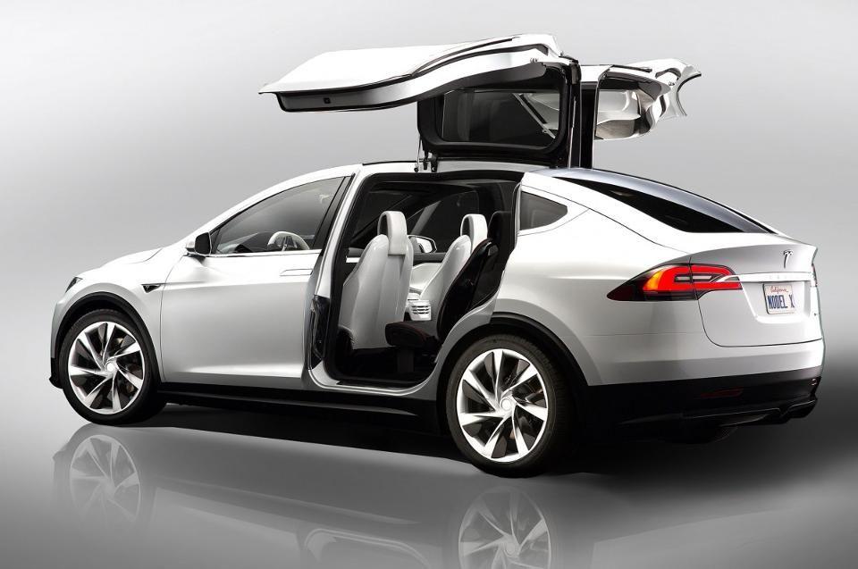 Tesla Model X S Autopilot And Falcon Wing Doors Lead Hi Tech Spec Charge Tesla Model X Tesla Model Tesla Suv