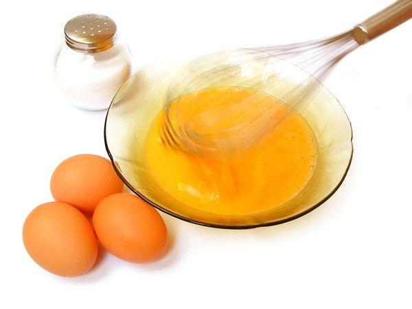 dưỡng trắng da mặt bằng lòng đỏ trứng gà