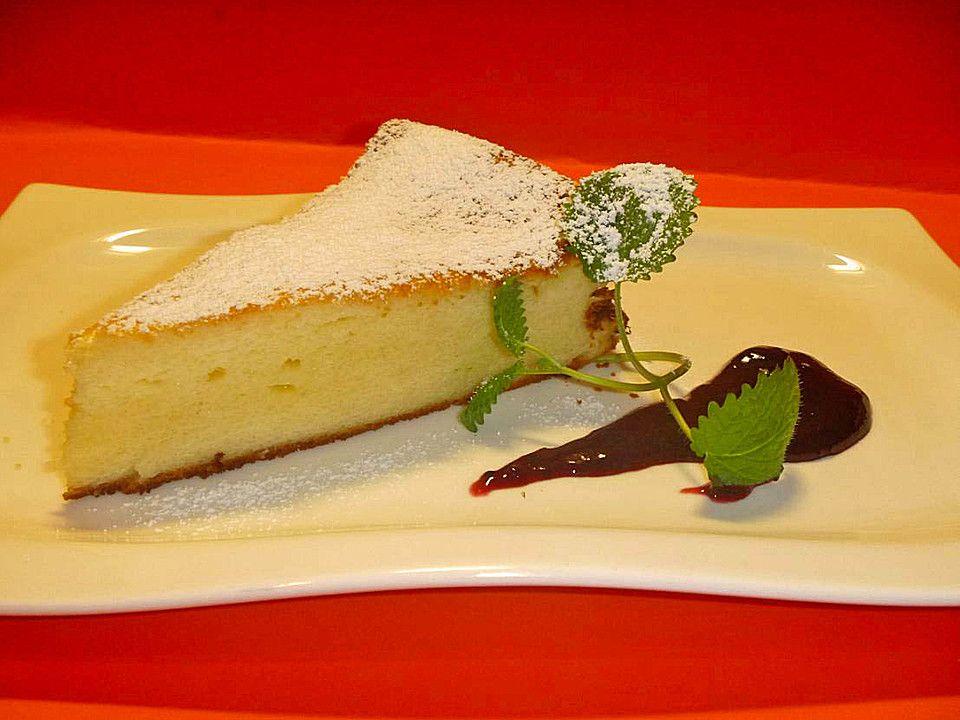 Saftiger Käsekuchen ohne Boden, ein sehr schönes Rezept aus der Kategorie Kuchen. Bewertungen: 183. Durchschnitt: Ø 4,4.