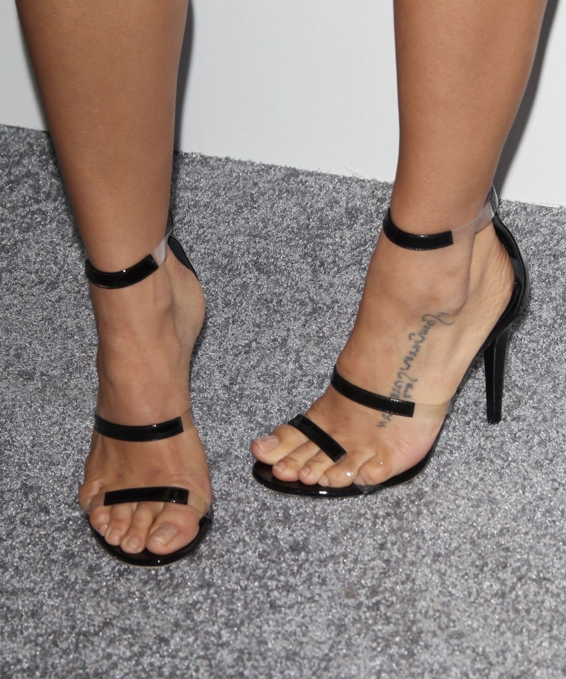 jenna dewan 39 s high heels xoxo high in heels 2 pinterest high heel and celebrity feet. Black Bedroom Furniture Sets. Home Design Ideas