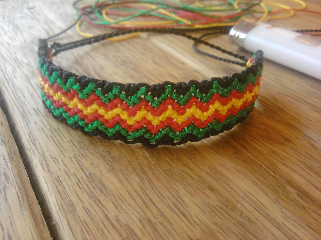 fyi friendship tina bracelet by embroidery tutorials
