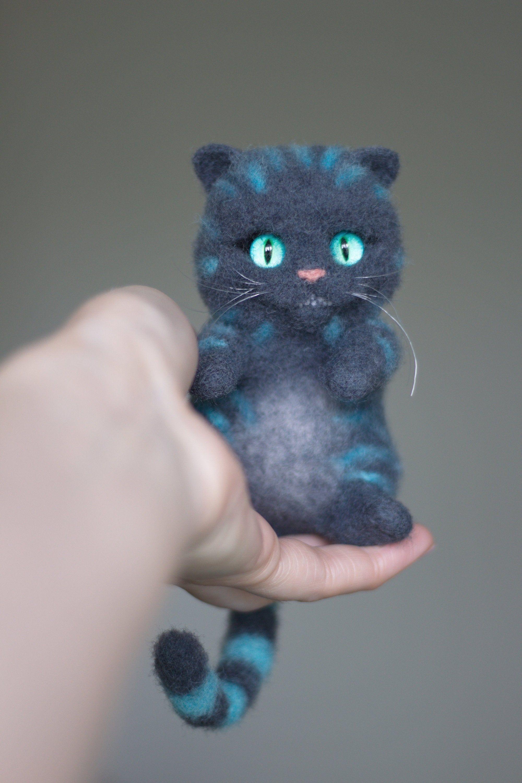 Cheshire Cat toy needle felt Alice in Wonderland felted kitten cat sculpture needle felted animal wool gift