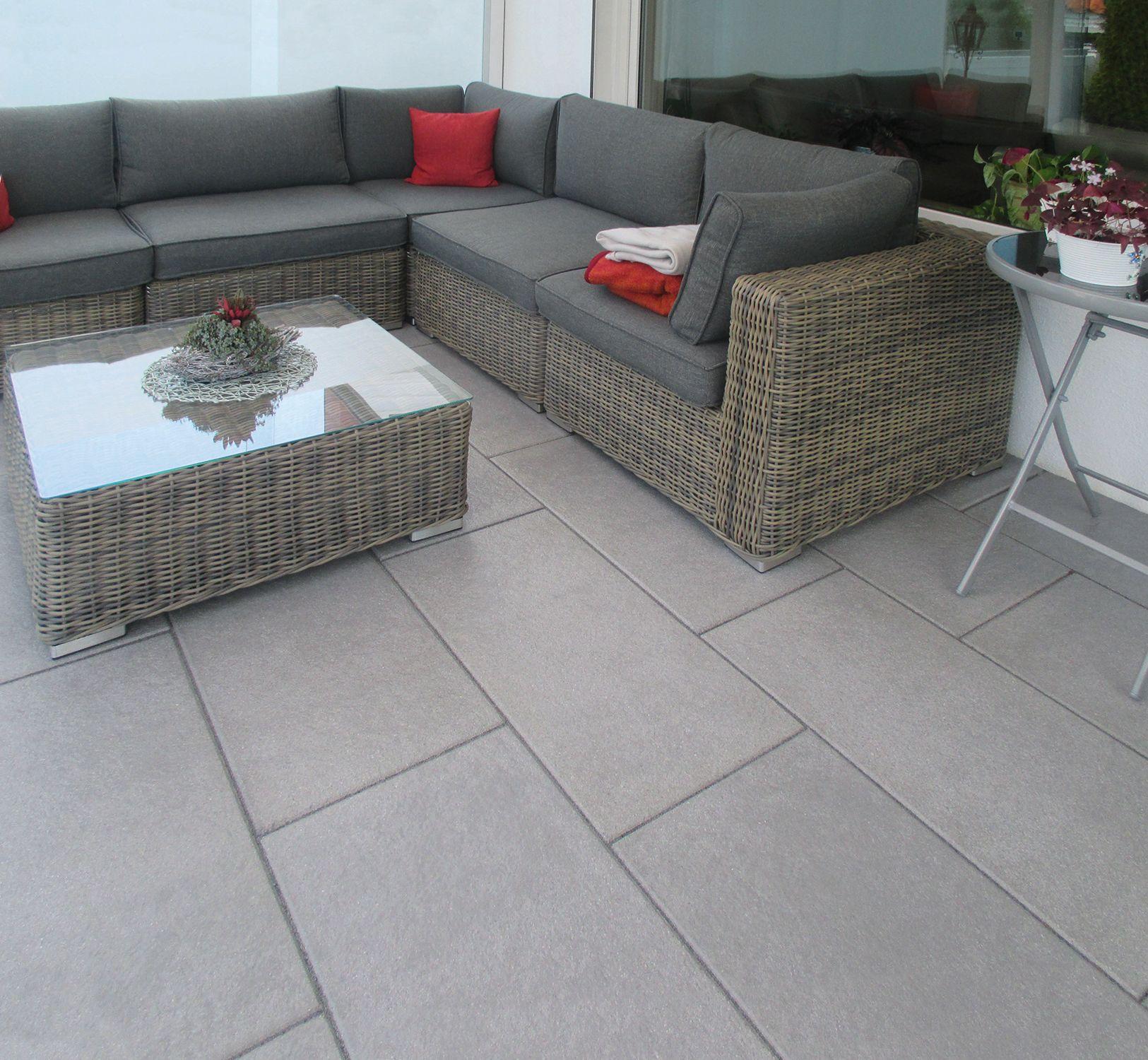 Grossformatige Terrassenplatten Die Belgische Mittelgrau In 80x40 Cm Terrassenplatten Terrasse Betonplatten