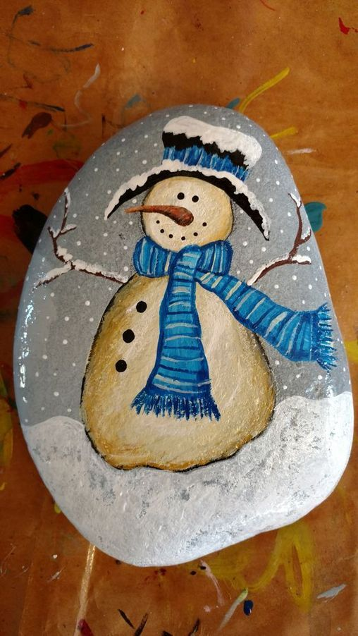 33+ Easy DIY Christmas Painted Rock Design Ideas #bonecas