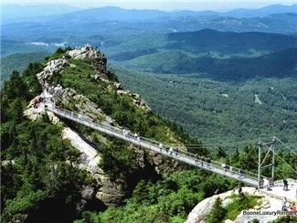 enjoy the beautiful scenery of the mountains in North Carolina