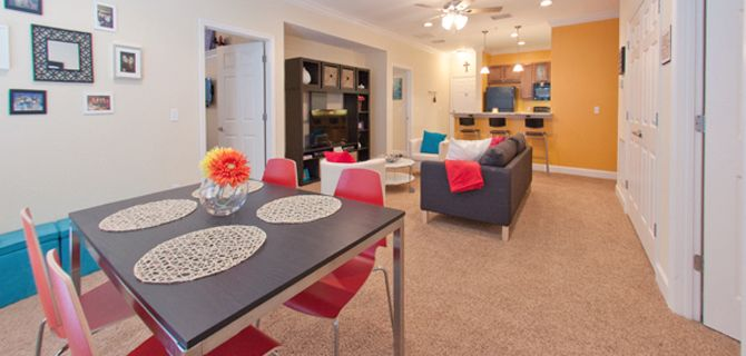 Student Apartments In Gainesville Florida Closest Apartments To Your University Of Florida Classes Cool Apartments Luxury Apartments Apartment