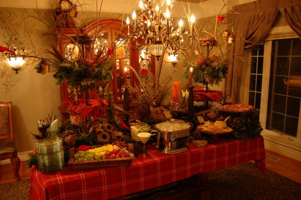 christmas buffet tablescapes woodland tablescape holiday designs decorating ideas hgtv. Black Bedroom Furniture Sets. Home Design Ideas