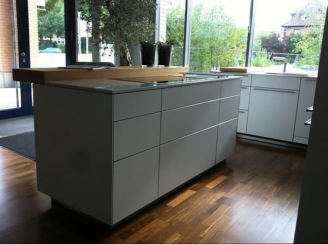 bulthaup-Musterküche Bulthaup B3 laminat\/ laminat Alpinweiß zu - laminat für küchen