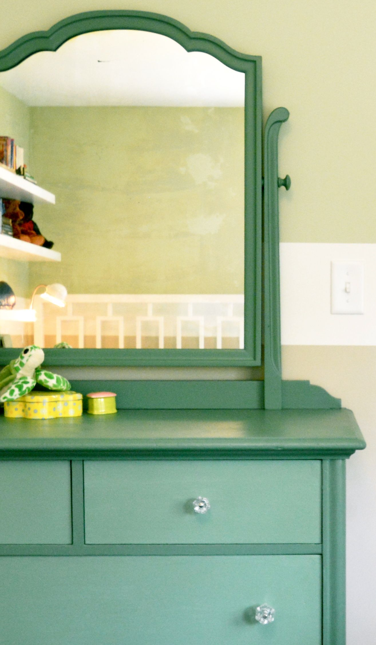 Color of the Year in 2018 | Dining room accent wall | Pinterest ...