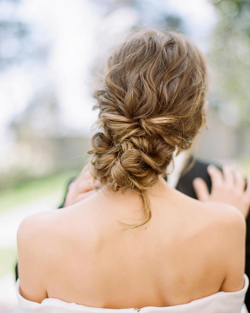 34 Loose Wedding Updos For Brides With Long Hair Wedding Hairstyles For Medium Hair Wedding Hairstyles Updo Curly Wedding Hair