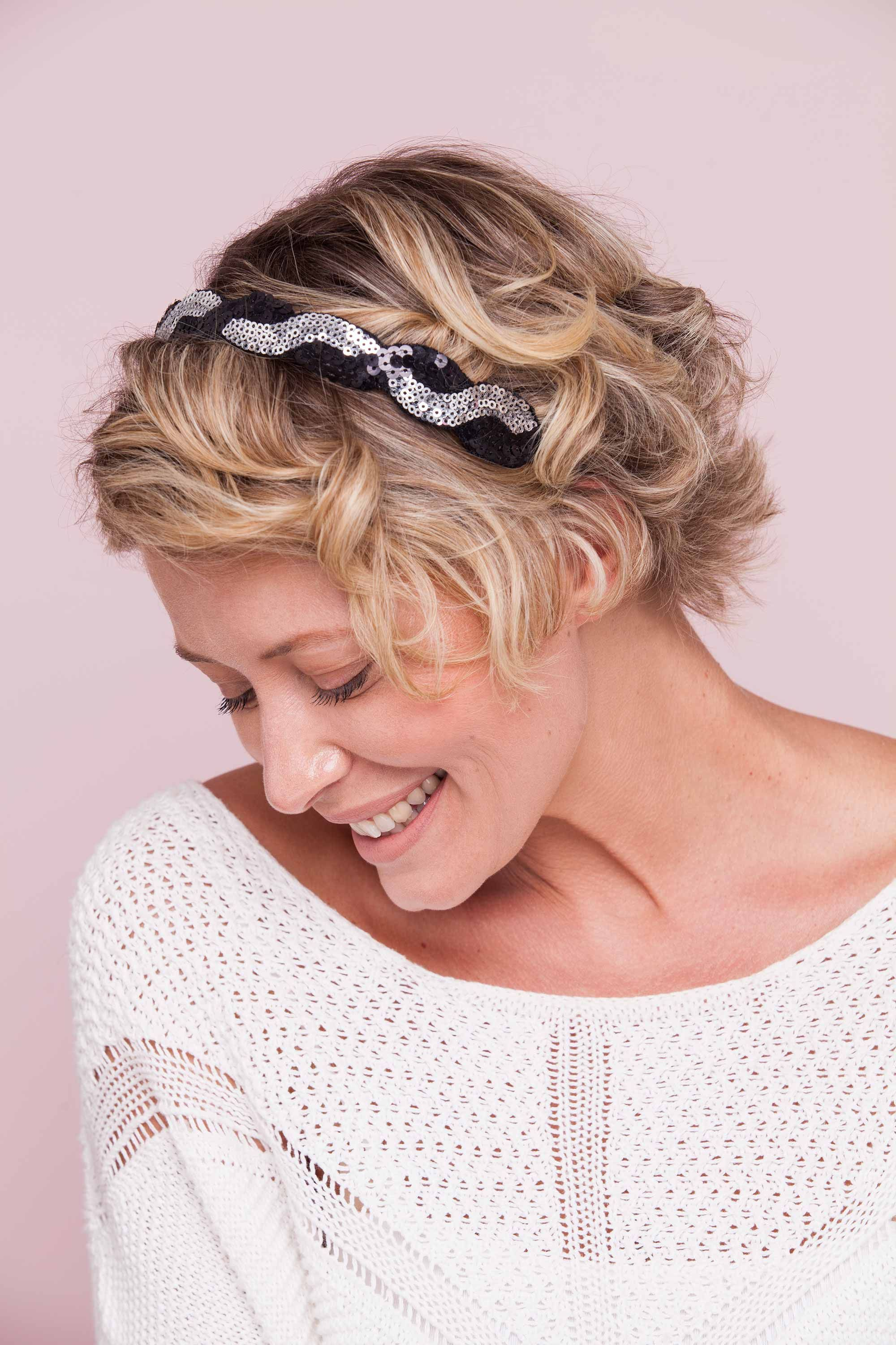 Wedding Guest Hairstyles Don't Need To Be Boring Jazz Up Your Nye Look With A Shimmering Blowout Or Glittery Headband: Headband For Wedding Guest At Websimilar.org