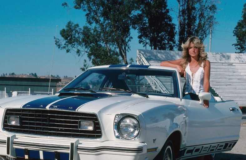 Farrah with her Cobra II on the set of Hellride (Charlie s Angels) (S1.E1).  1976 452aebfd94