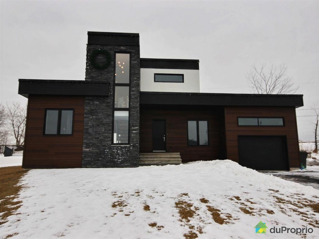 Maison à vendre Carignan, 12 rue Édouard Harbec, immobilier ...