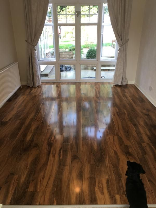 Dolce Natural Walnut Effect Laminate Flooring 1 19 M² Pack