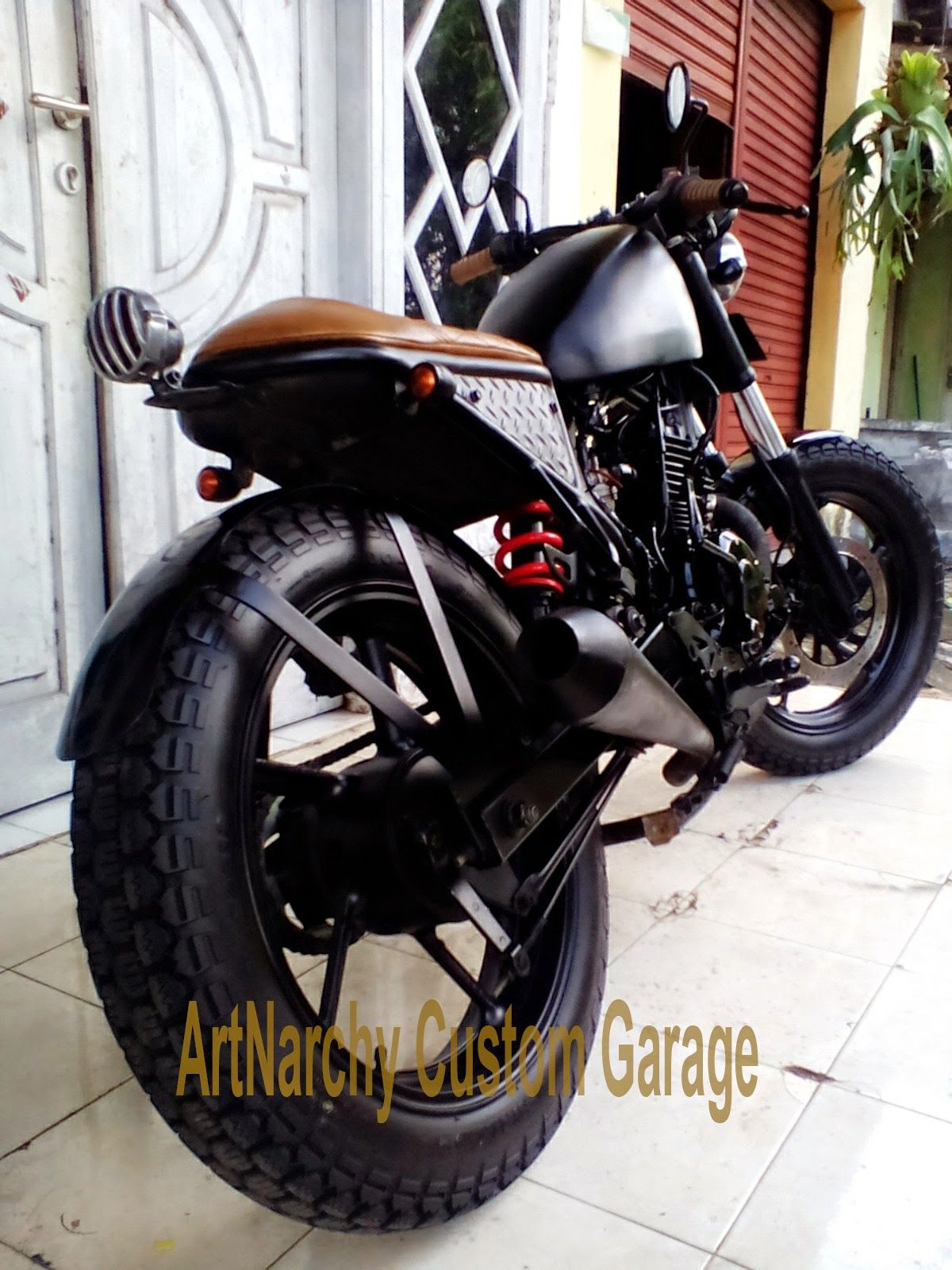 "ahhhnita"" byson cafe racer projectartnarchy custom garage"