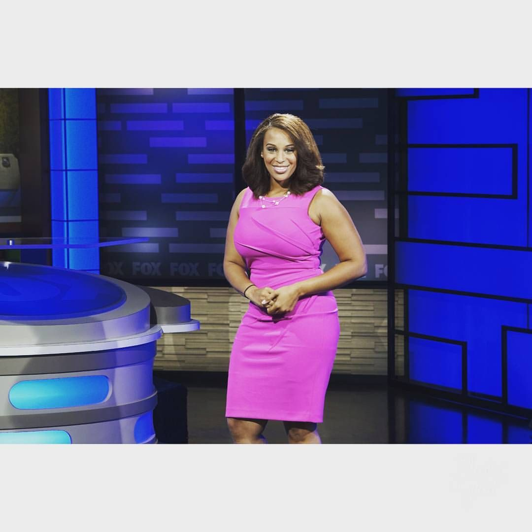 "238 Likes, 26 Comments - Renee Summerour (@eyez_on_news) on Instagram: ""Hey Central Texas! Catch me on the desk @ 9pm central for all the latest news on Fox 44's Weekend…"""