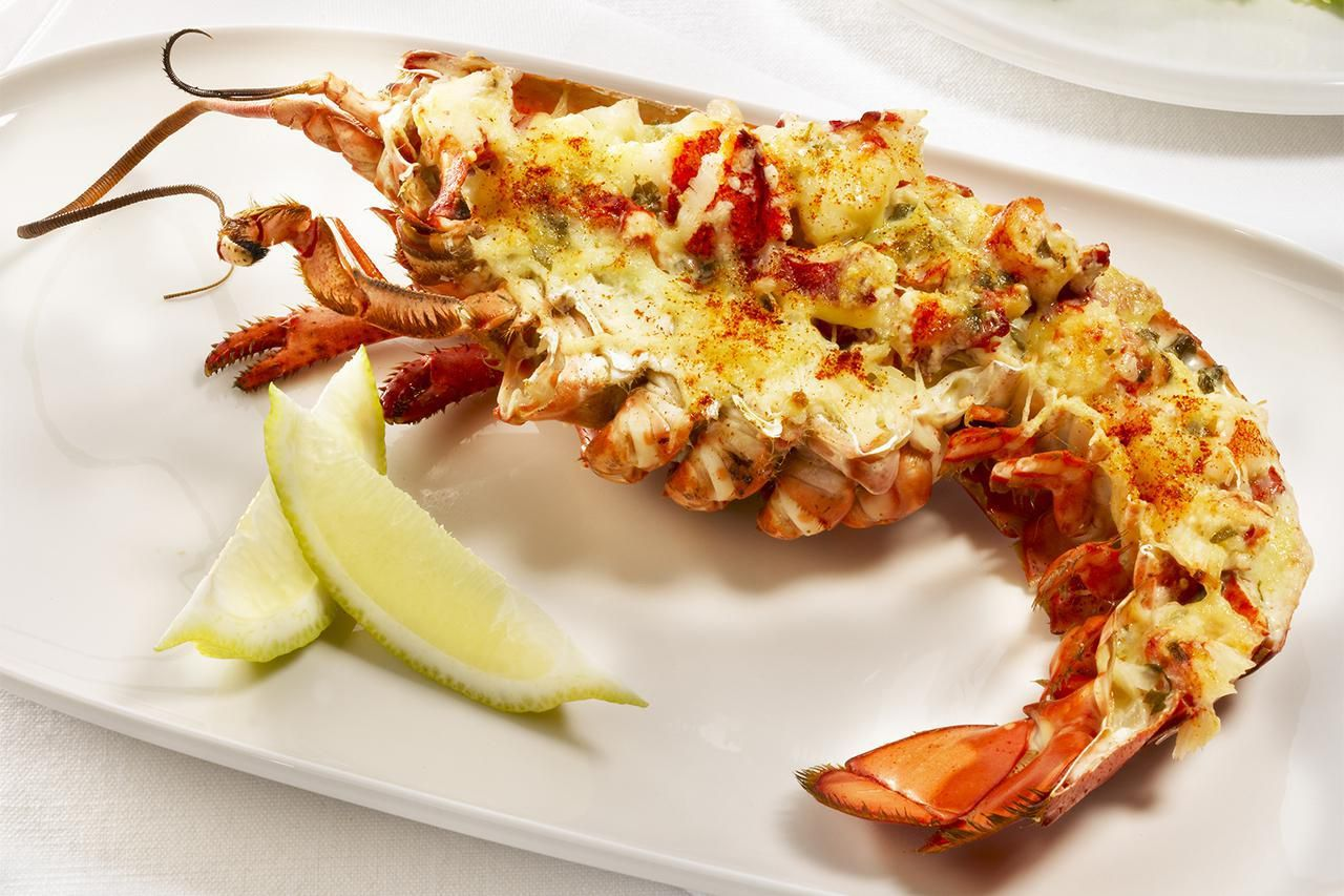 Lobster Thermidor Is A French Dish That Is As Rich And Luxurious As It Sounds Making This Traditional Reci Lobster Thermidor Lobster Recipes Shellfish Recipes