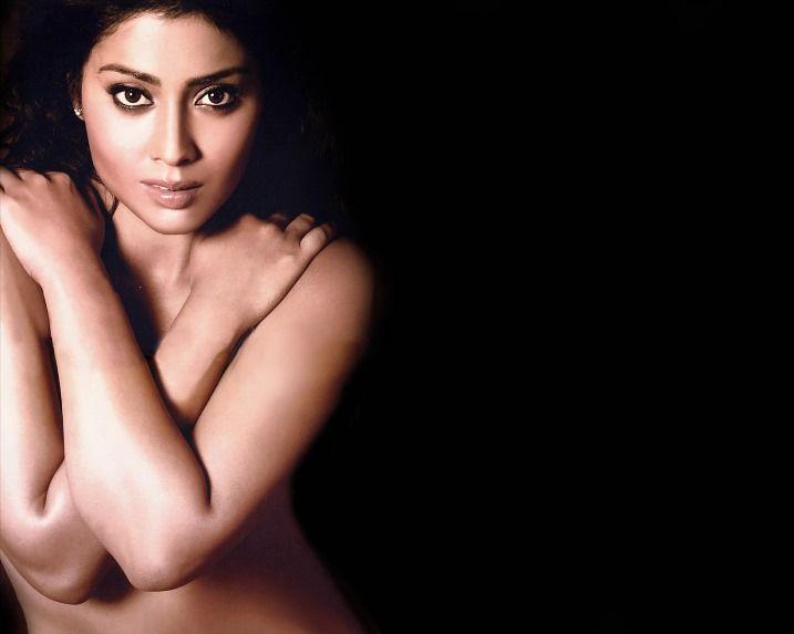 nude-shriya-body