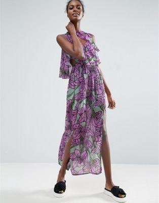 Vestido largo con capa superior de volante con estampado floral grande de ASOS  Made In Kenya