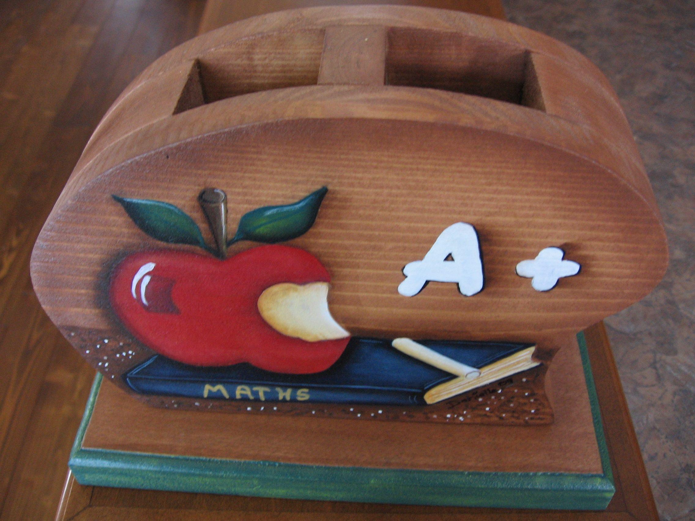 Cadeau pour professeur porte crayons peinture sur bois for Peinture pour porte en bois