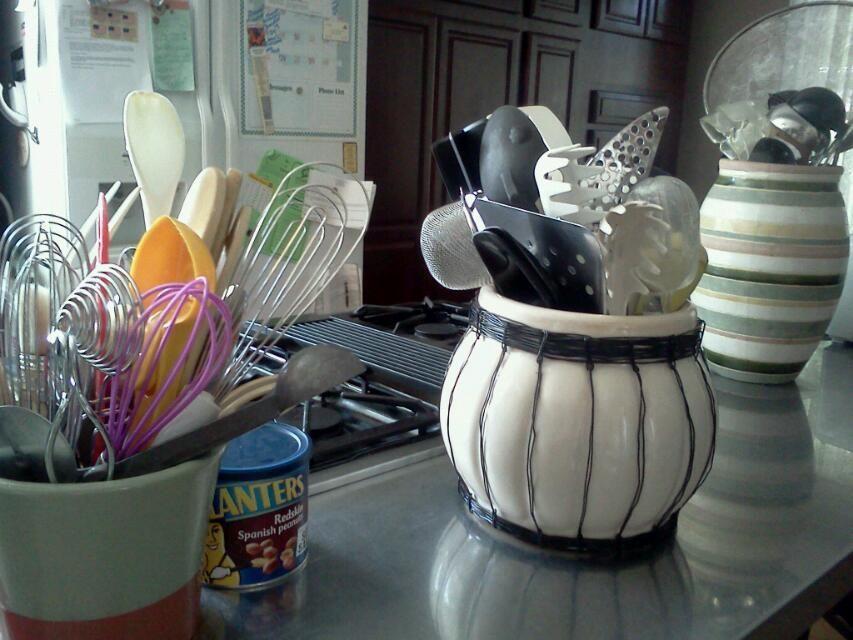 Kitchen utensils in pots? So cool.