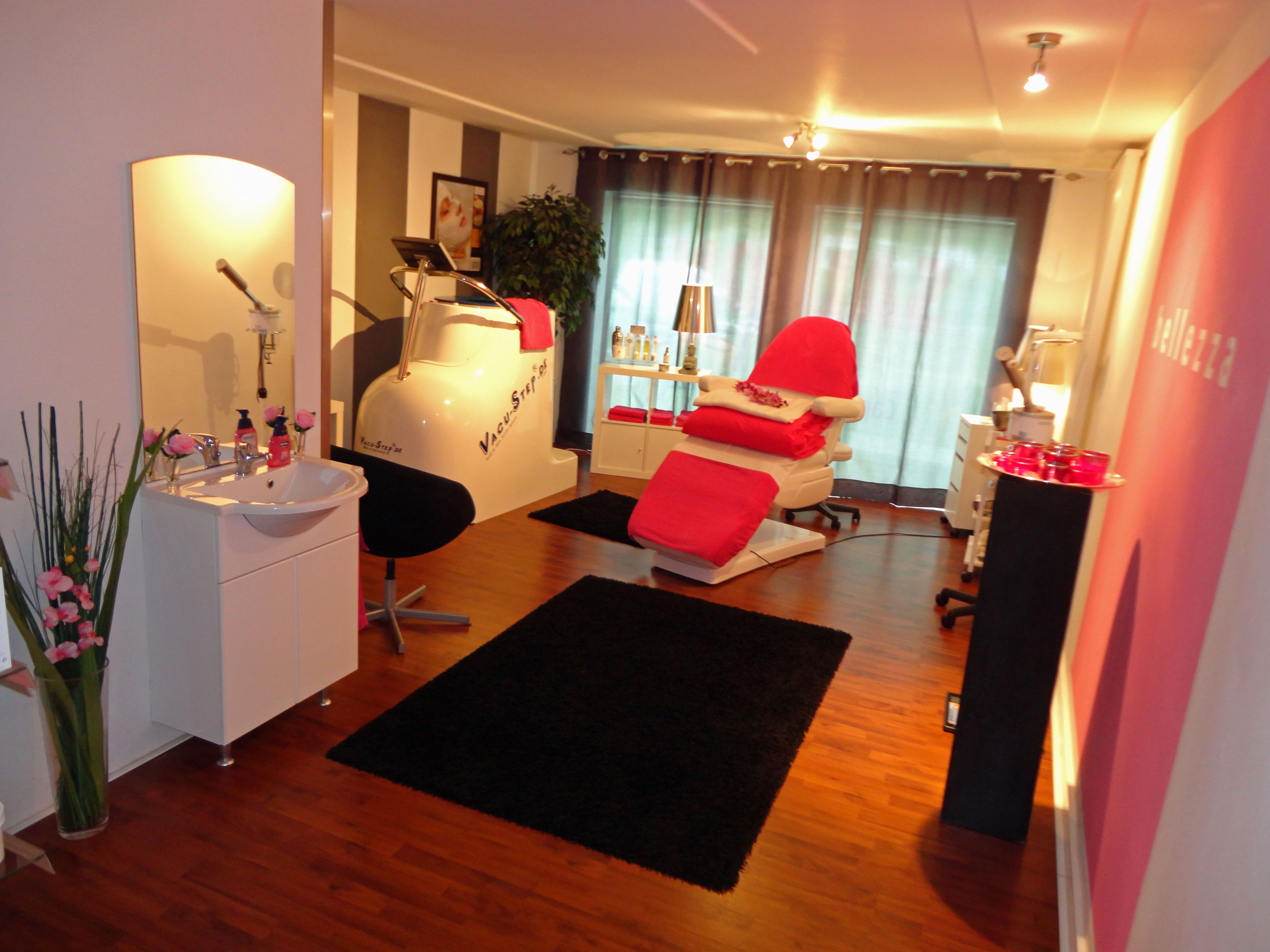 Schoonheidssalon / afslankcentrum / beauty salon / weightloss centre ...