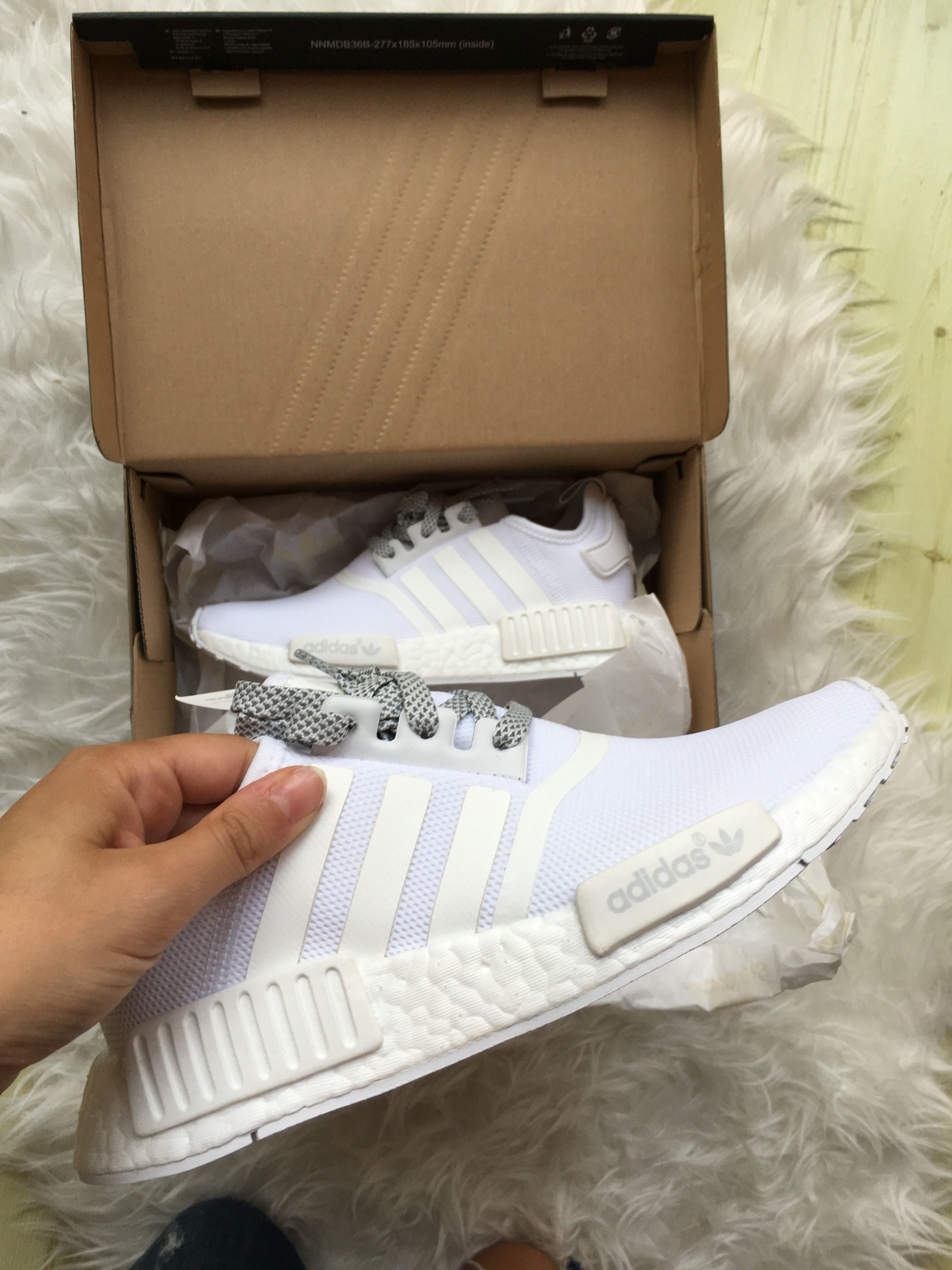 Unboxing my adidas Nmd triple white aus dem reflective pack