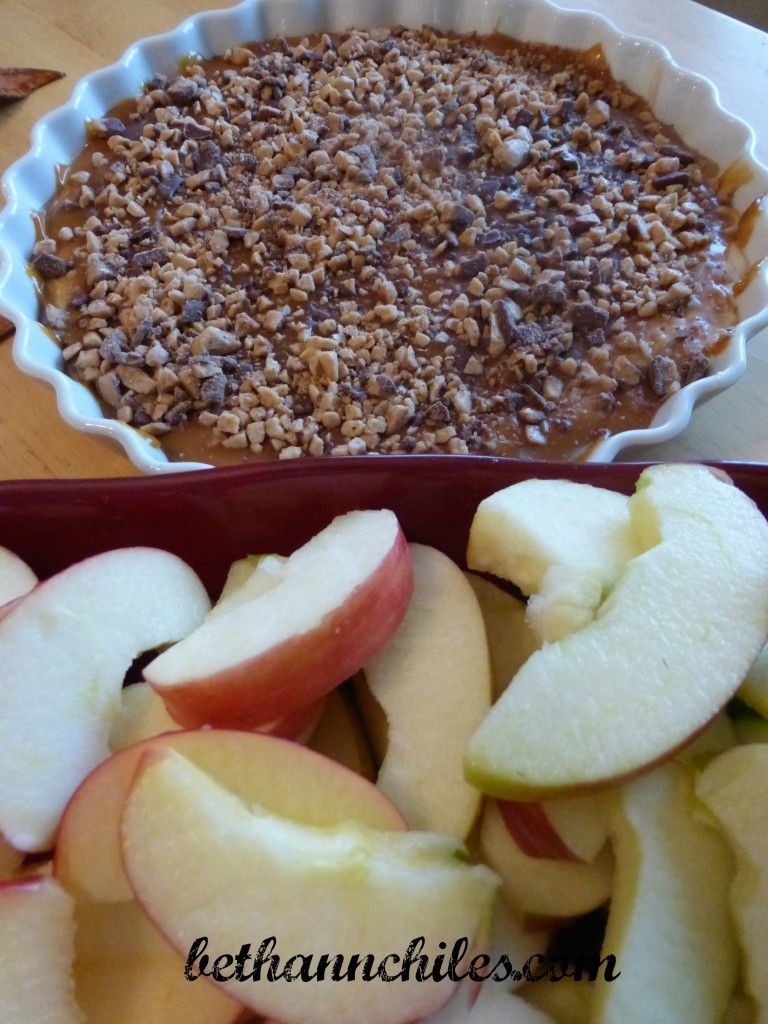 Tasty Apple Dip – The Perfect Fall Treat #recipe http://bit.ly/1yUZzqN thanks to @bachiles guest post #NorthIowaBloggers